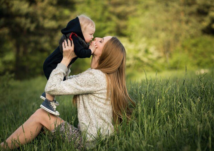 10 συνήθειες για μια χαρούμενη μαμά στο σπίτι