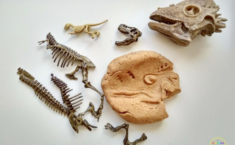 DIY: πλαστελίνη δεινοσαύρων